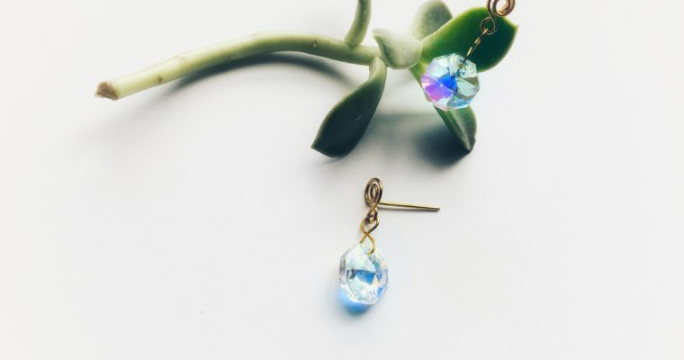 DIY earrings using wire: Swarovski drop earrings